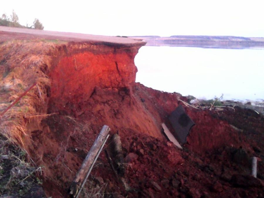 В Ильинском районе произошел обвал дороги