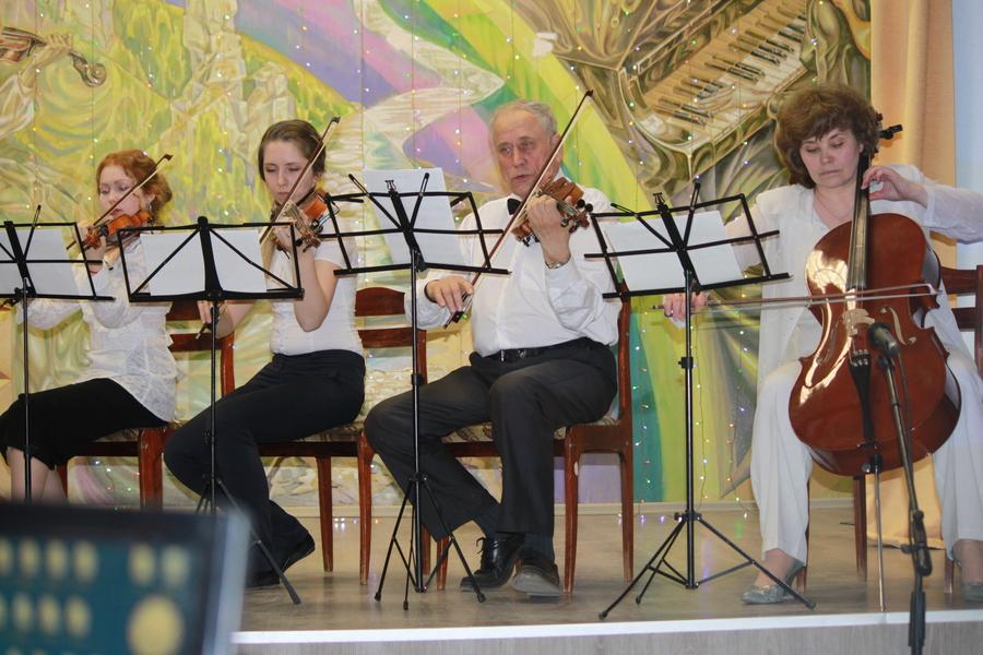 В Чусовом детская школа искусств отпраздновала своё 70-летие
