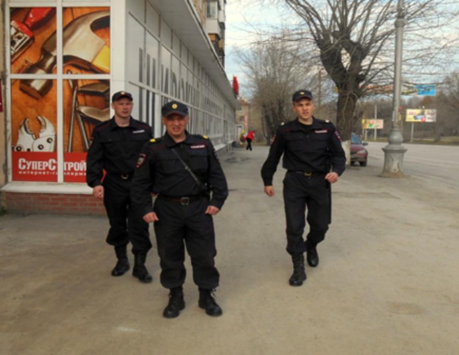 Военнослужащие внутренних войск задержали подозреваемую в грабеже в Перми - фото 1