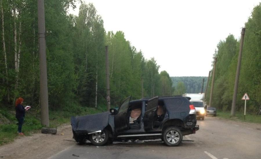 На трассе Пермь — Березники погибла женщина, девочка и мужчина - ранены - фото 1