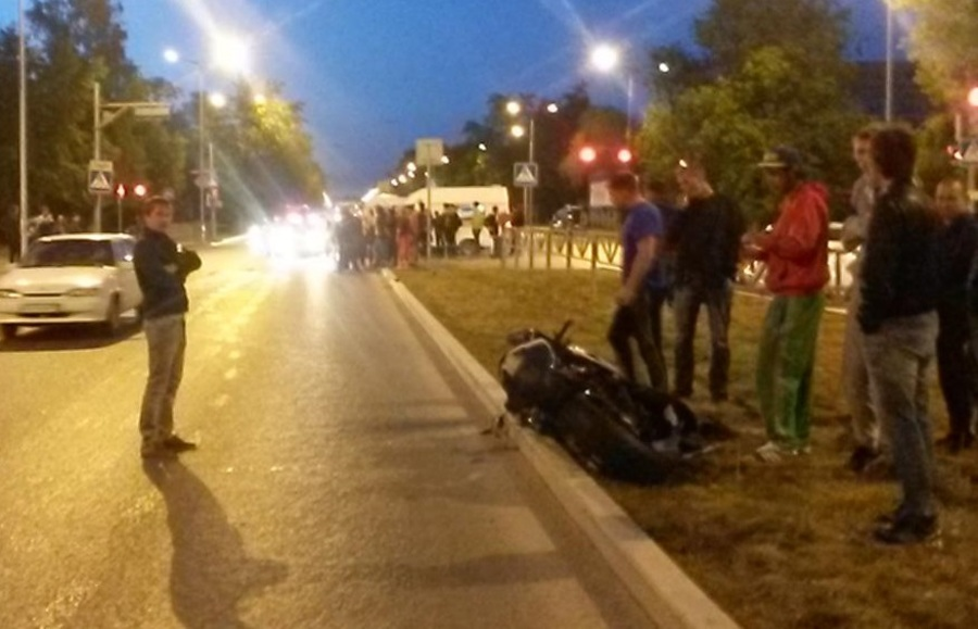 В Перми перевернулся мотоциклист - фото 1