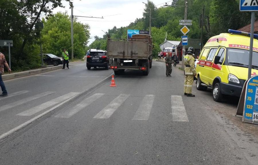 В Перми КАМАЗ задавил девушку на пешеходном переходе - фото 1