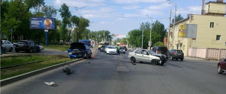 В Перми столкнулись Шевроле и Субару