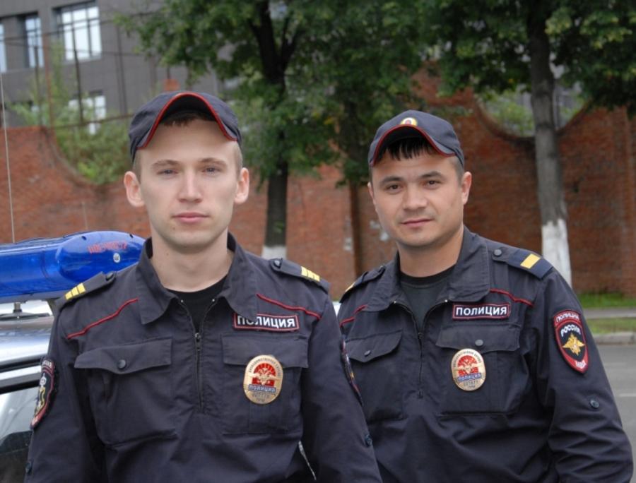 В Перми сотрудники полиции помогли эвакуироватьлюдей из горящего торгового центра «Аомаз»