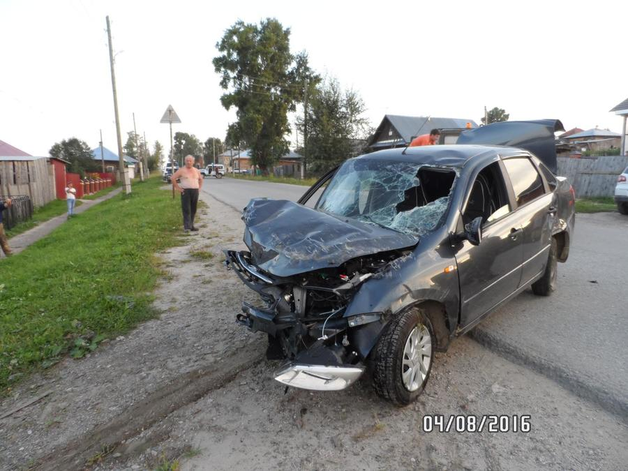 В столкновении трех машин в Чердыни ранены два водителя - фото 1