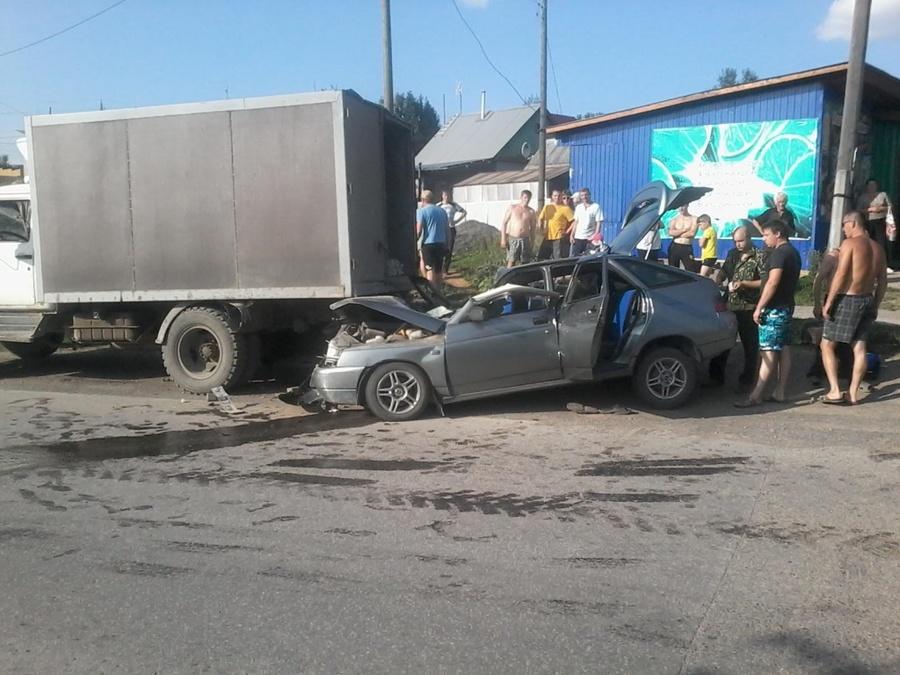 В Пермском крае водитель ВАЗа врезался в Газель и погиб - фото 1