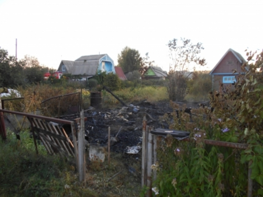В Краснокамском районе в горящем садовом домике погиб хозяин