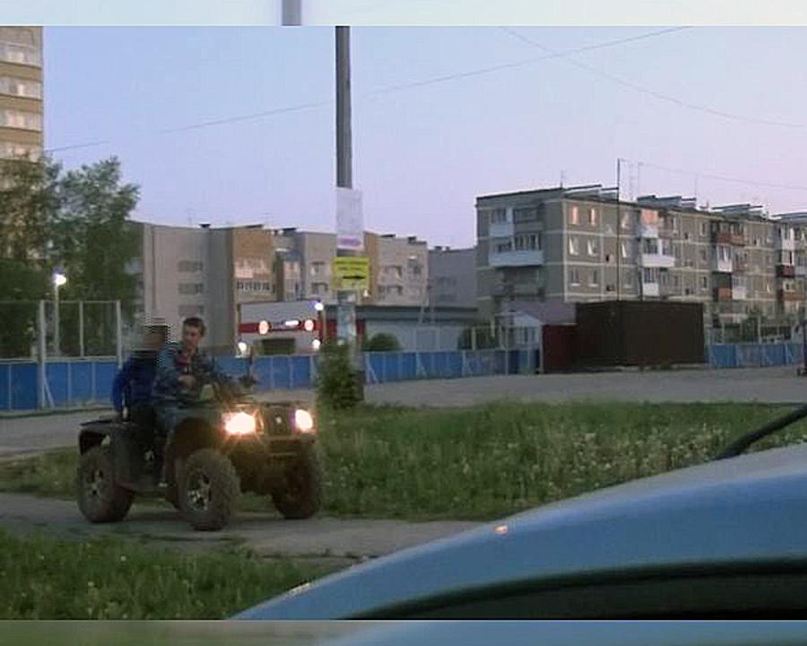 В Пермском крае водитель болотохода подбил патрульную машину - фото 1