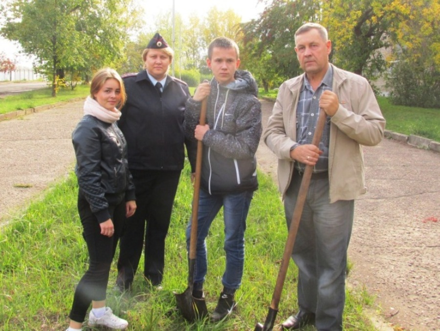 В Краснокамске полицейские почтили память погибших коллег - фото 1