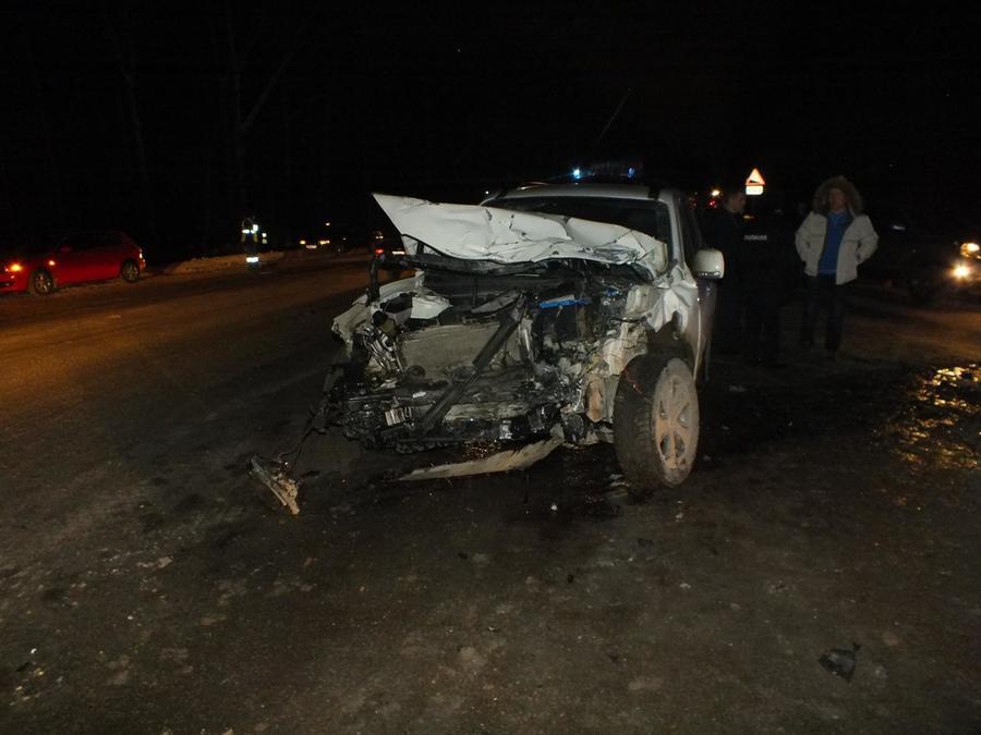 В Пермском крае три человека травмированы в столкновении Хендая с автобусом - фото 1