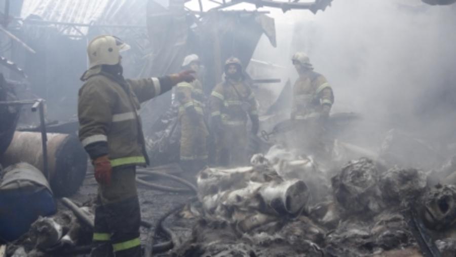 В сгоревших ангарах в Перми обнаружены тела двух погибших