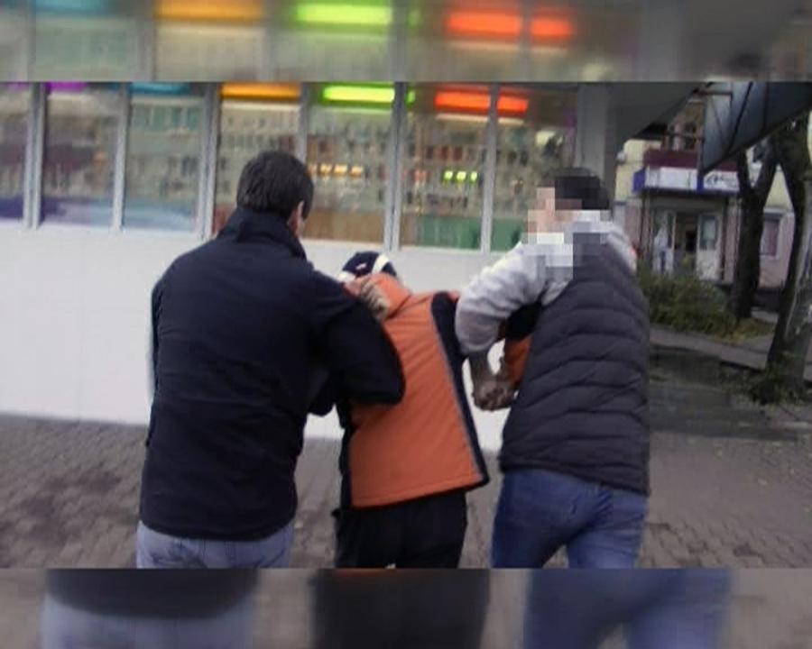 В Перми оперативники взяли с поличным торговца спайсом