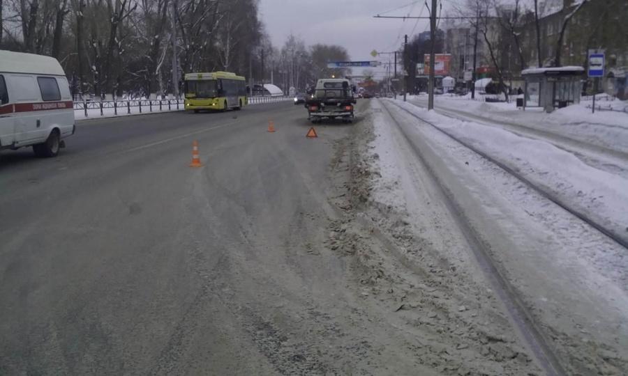 В Перми под колесами автомобиля женщина получила смертельные травмы
