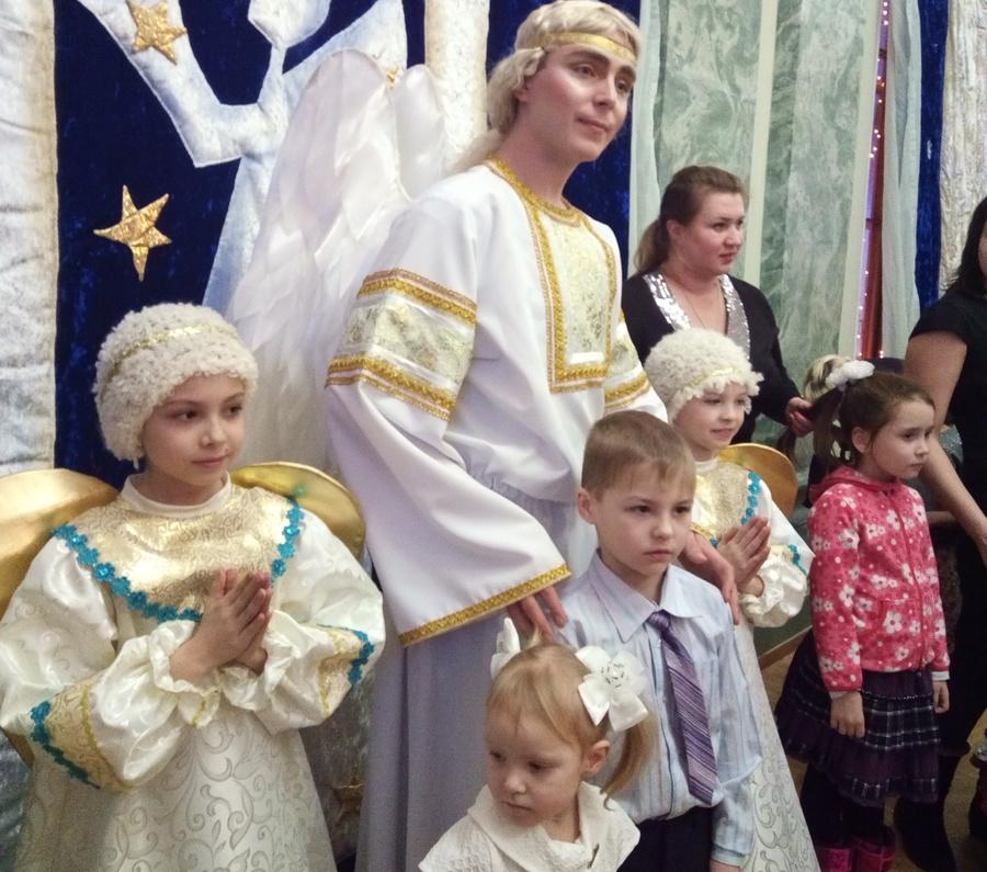 Пермская Епархия и творческие коллективы поздравили детей с Рождеством