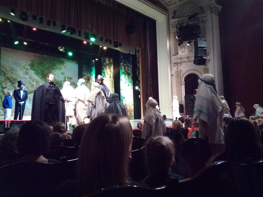Пермская Епархия и творческие коллективы поздравили детей с Рождеством - фото 2