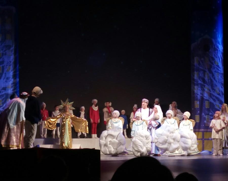 Пермская Епархия и творческие коллективы поздравили детей с Рождеством - фото 9