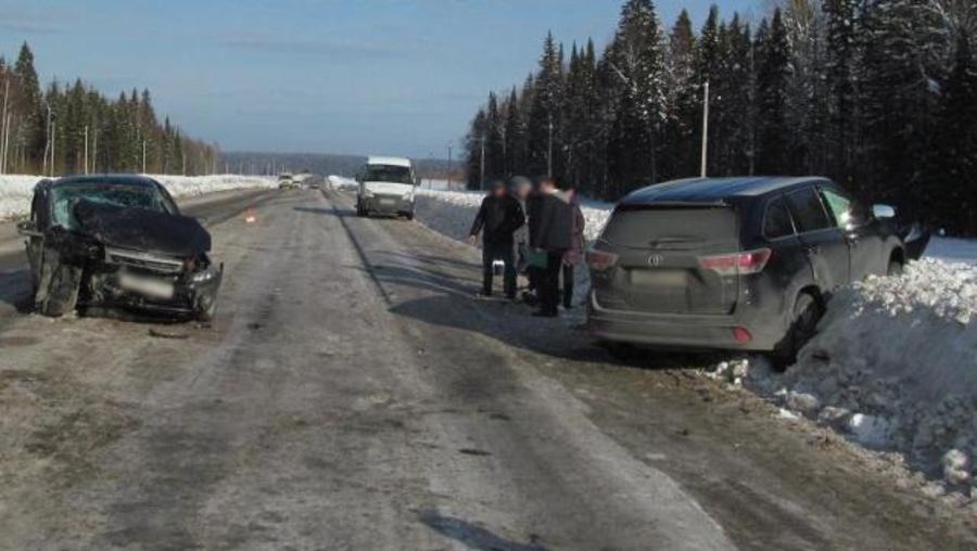 В Пермском крае в столкновении автомобилей пострадали женщина и мальчик