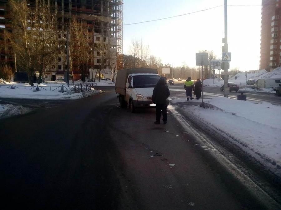 В Перми два человека попали под колеса автомобилей