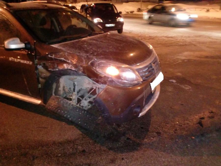 В Перми проезд на красный свет завершился аварией
