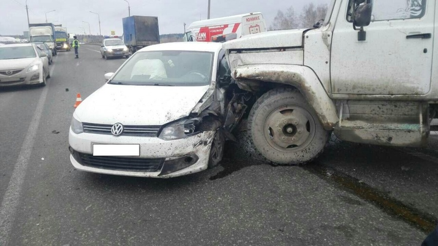 В Добрянском районе в столкновении пяти автомобилей погибли два человека