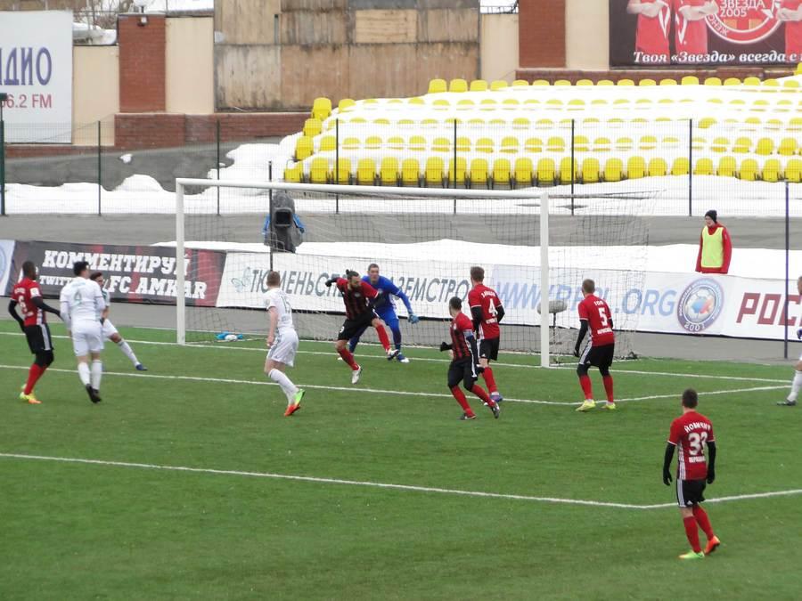 «Амкар» пропустил первый мяч в свои ворота в домашней игре - фото 1