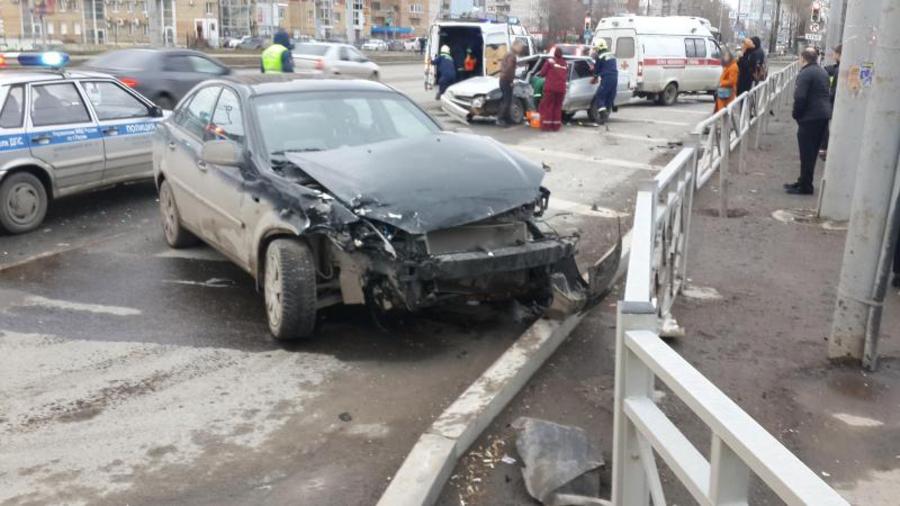 В Перми в результате ДТП два водителя попали в больницу