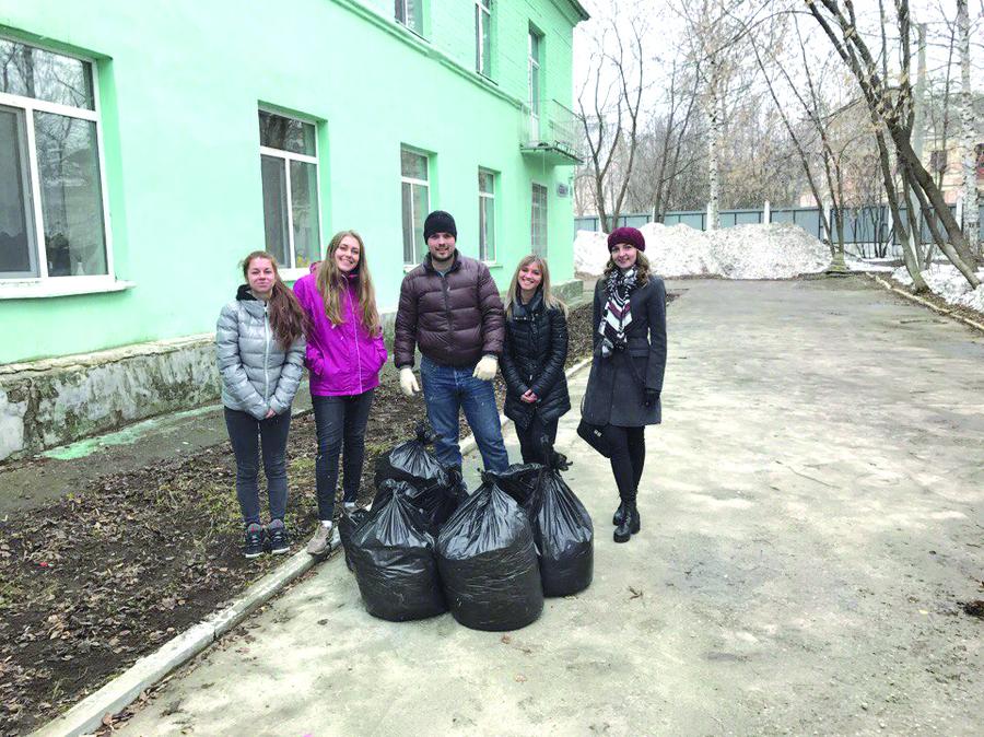 Добровольцы из Кировского района Перми навестили престарелых - фото 5