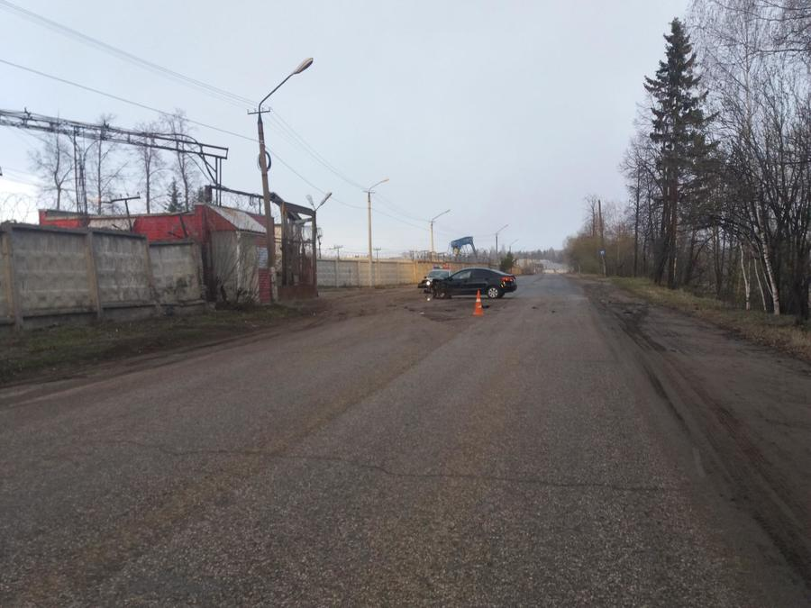 В Перми пьяный автомобилист врезался в железобетонный забор