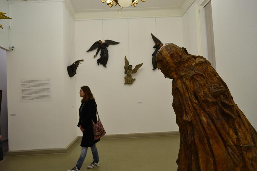 В Пермской галерее путешествуют по лесу - фото 23