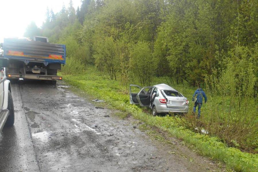 В Пермском крае водитель Гранты погиб в столкновении с КАМАЗом