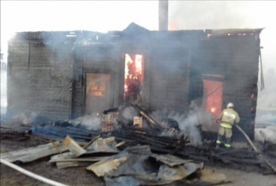 В Красновишерском районе сгорели клуб, библиотека и почта - фото 1
