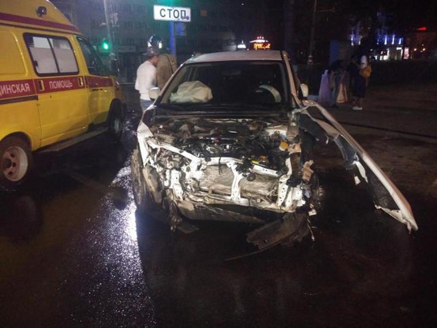 В Перми в столкновении автомобилей пострадали два водителя и пассажир - фото 1