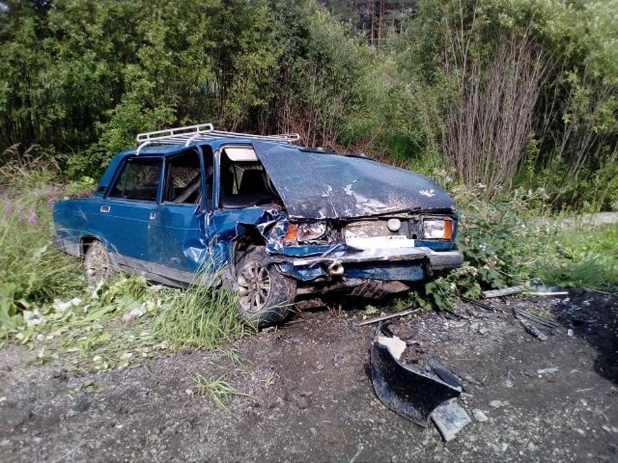 В Соликамском районе в лобовом столкновении сошлись две легковушки