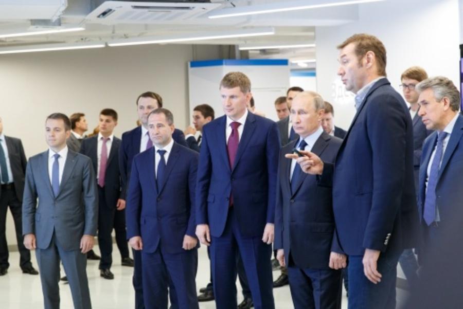 В Перми Промобот привествовал президента России