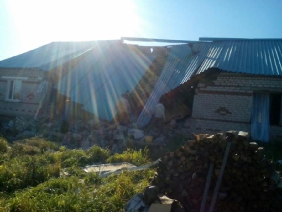 В Еловском районе при взрыве газа погибла женщина, трое ранены - фото 1