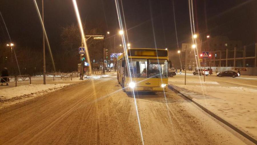 В Кировском районе Перми автобус сбил ребенка на переходе - фото 1