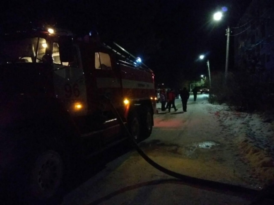 В Пермском крае в горящем бараке погибли четыре человека - фото 1