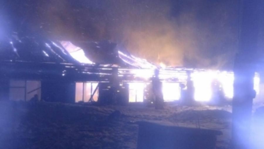 В Верещагинском районе пожарные спасли сотню голов скота - фото 1