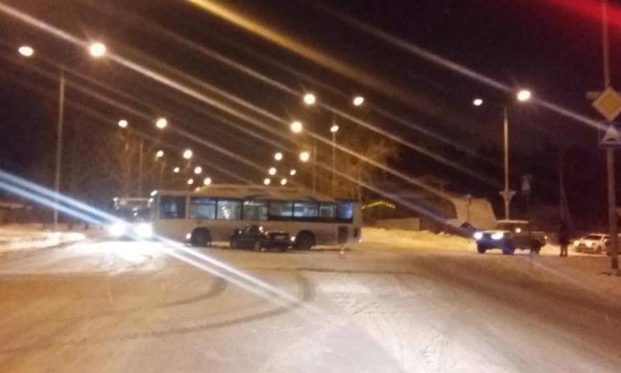 В Перми водитель автобуса не уступил дорогу легковушке