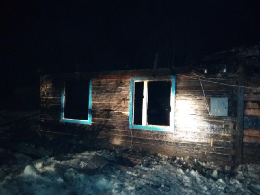 В Соликамском районе устанавливаются причины пожара, в котором погибли двое детей