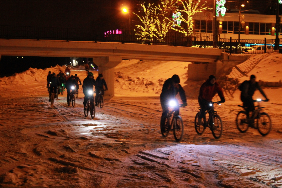 Велосветлячки проехали по Перми - фото 1