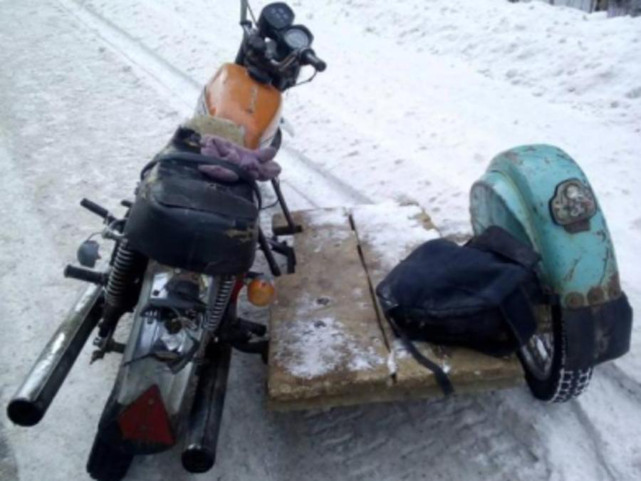 В Пермском крае пьяный мотоциклист без прав врезался в атобус
