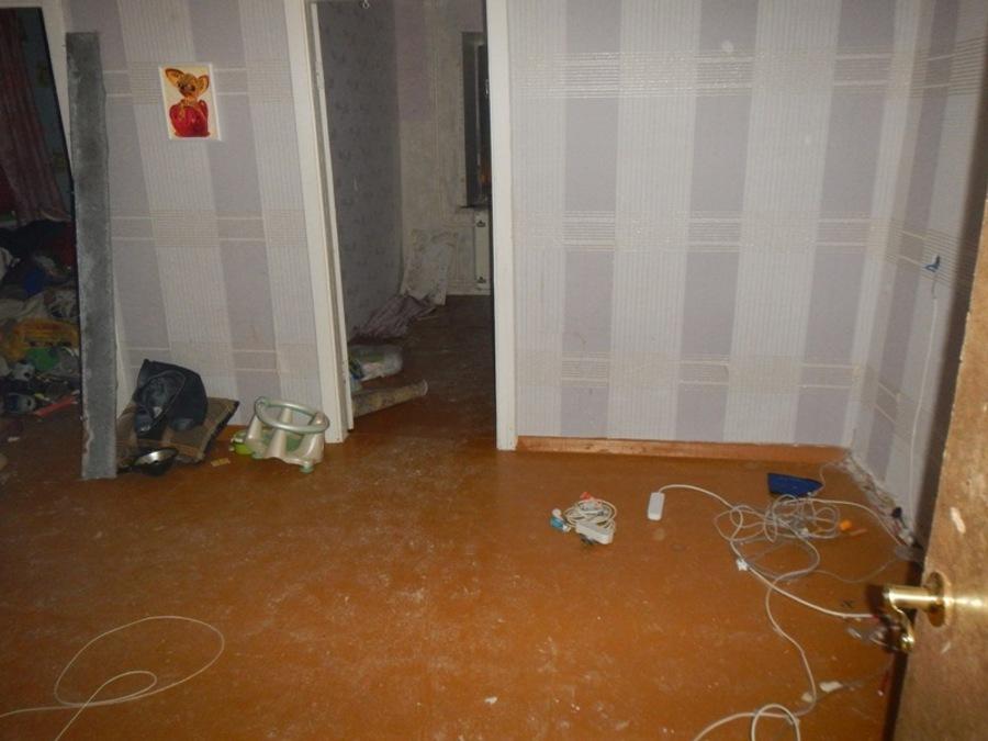 В Соликамске мужчина украл из арендованной квартиры мебель, двери и окна