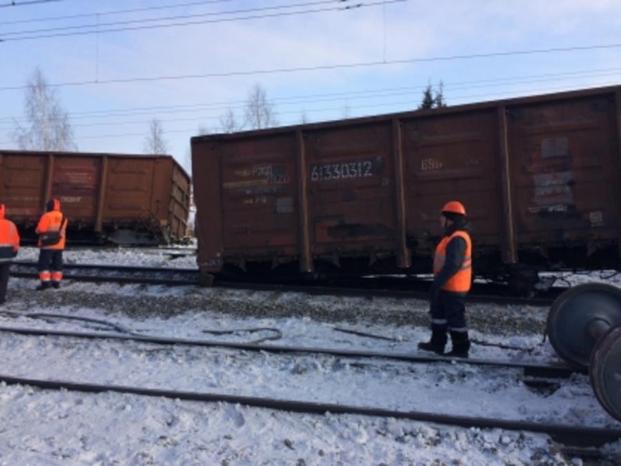 Возбуждено уголовное дело по факту схода груженых вагонов в Пермском крае