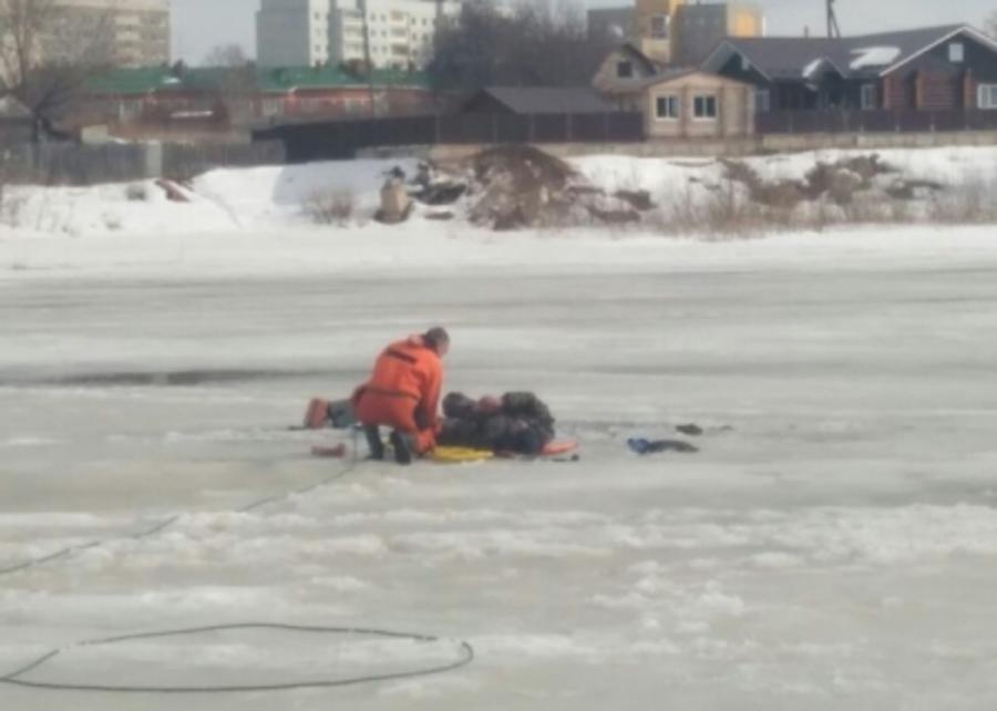 В Чайковском спасен провалившийся под лед рыбак