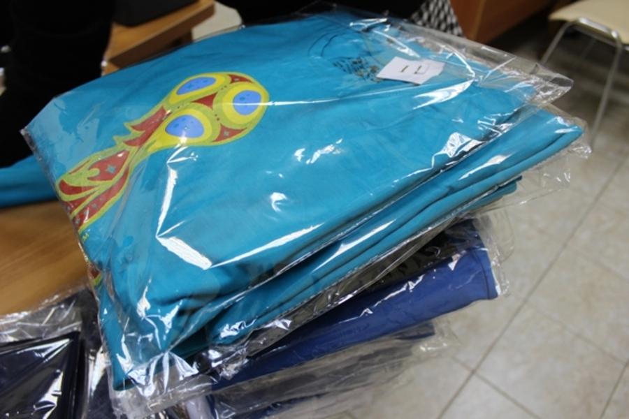 В Перми появились футболки с контрафактной символикой футбольного чемпионата мира - фото 1