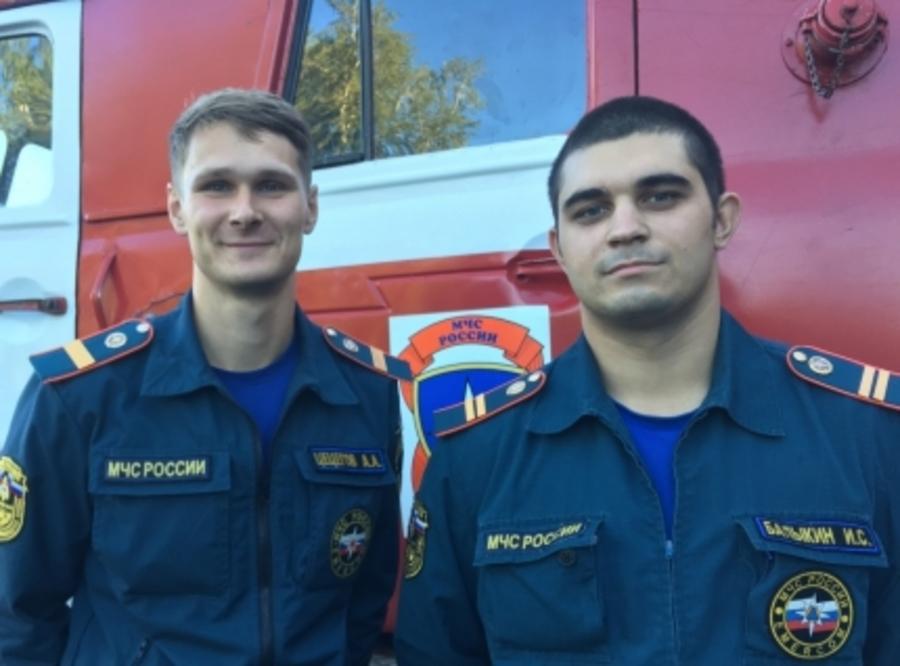 В Перми пожарные вынесли из огня малыша и троих взрослых