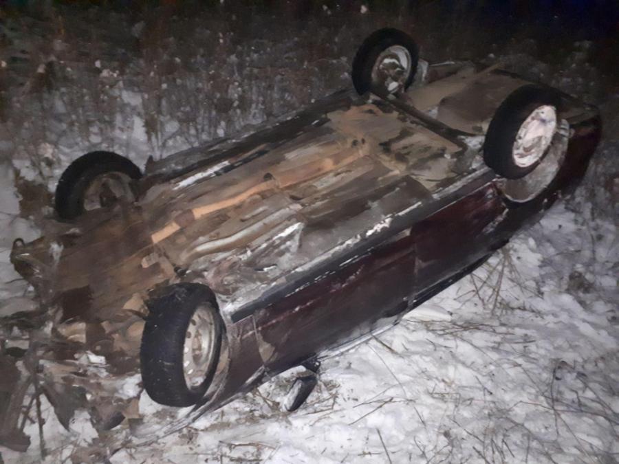 В Пермском крае перевернулся автомобиль Приора