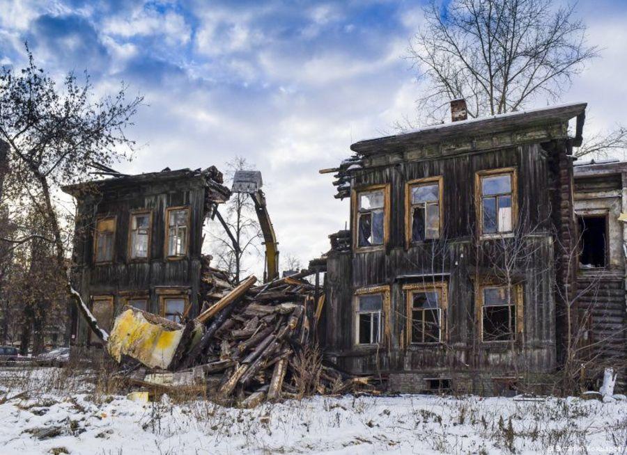 В Перми снесли пять аварийных домов - фото 1